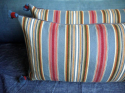 Pair of Striped Cushions - picture 4