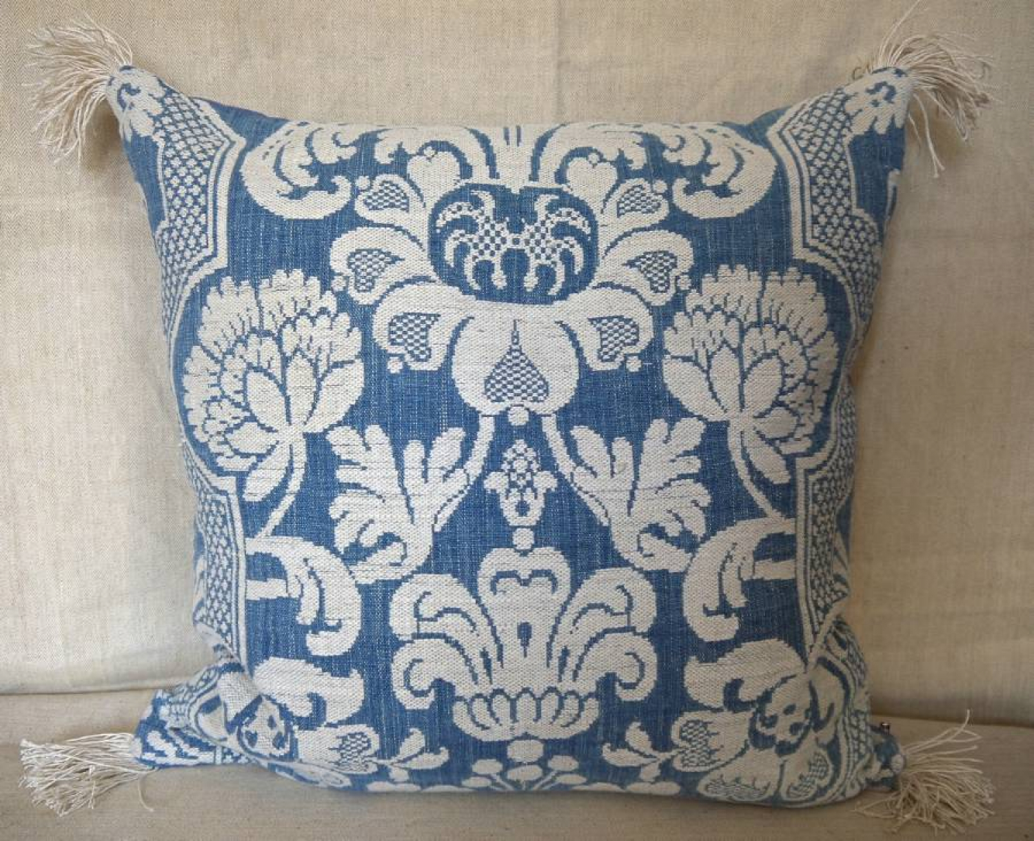 Toile d`Abbeville Cushion