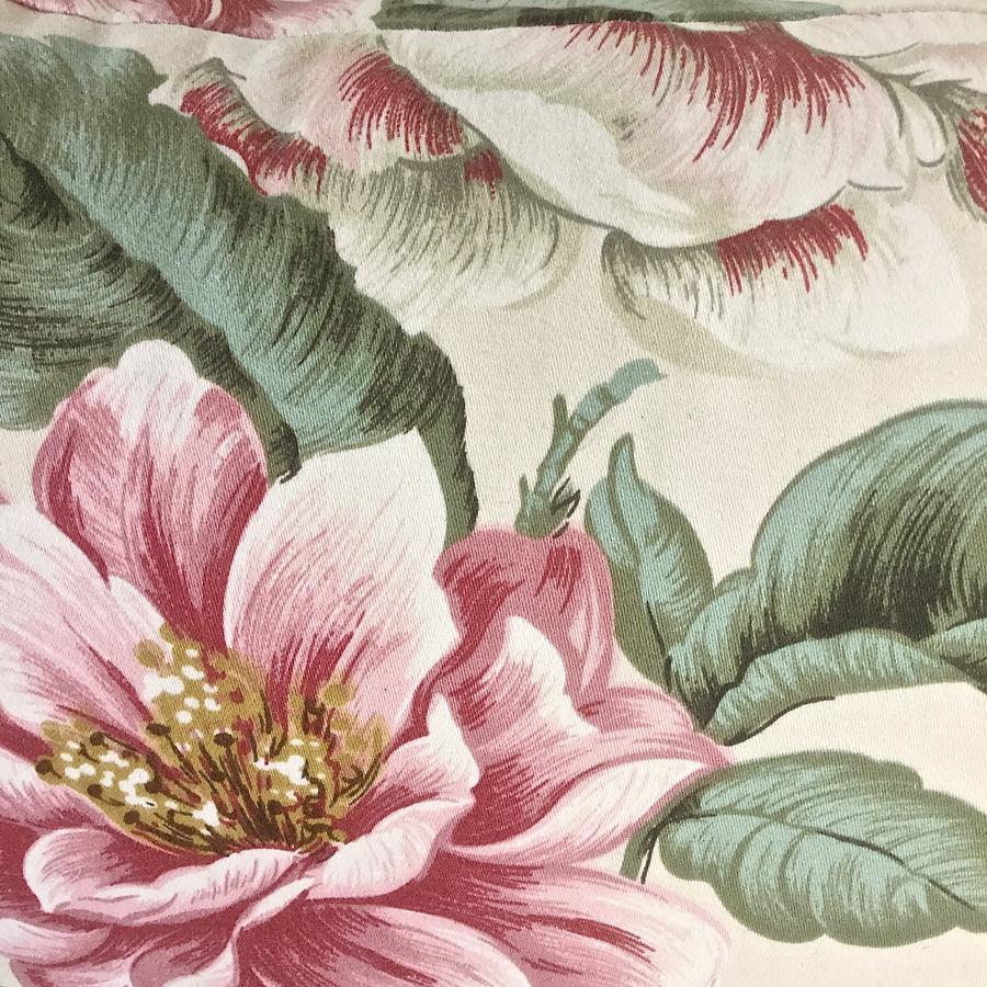 1950-60s English large-scale magnolia cotton cushion