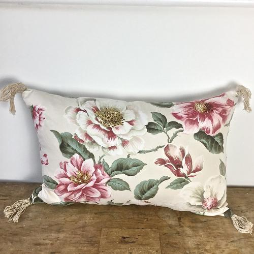 1950-60s English large-scale magnolia cotton cushion