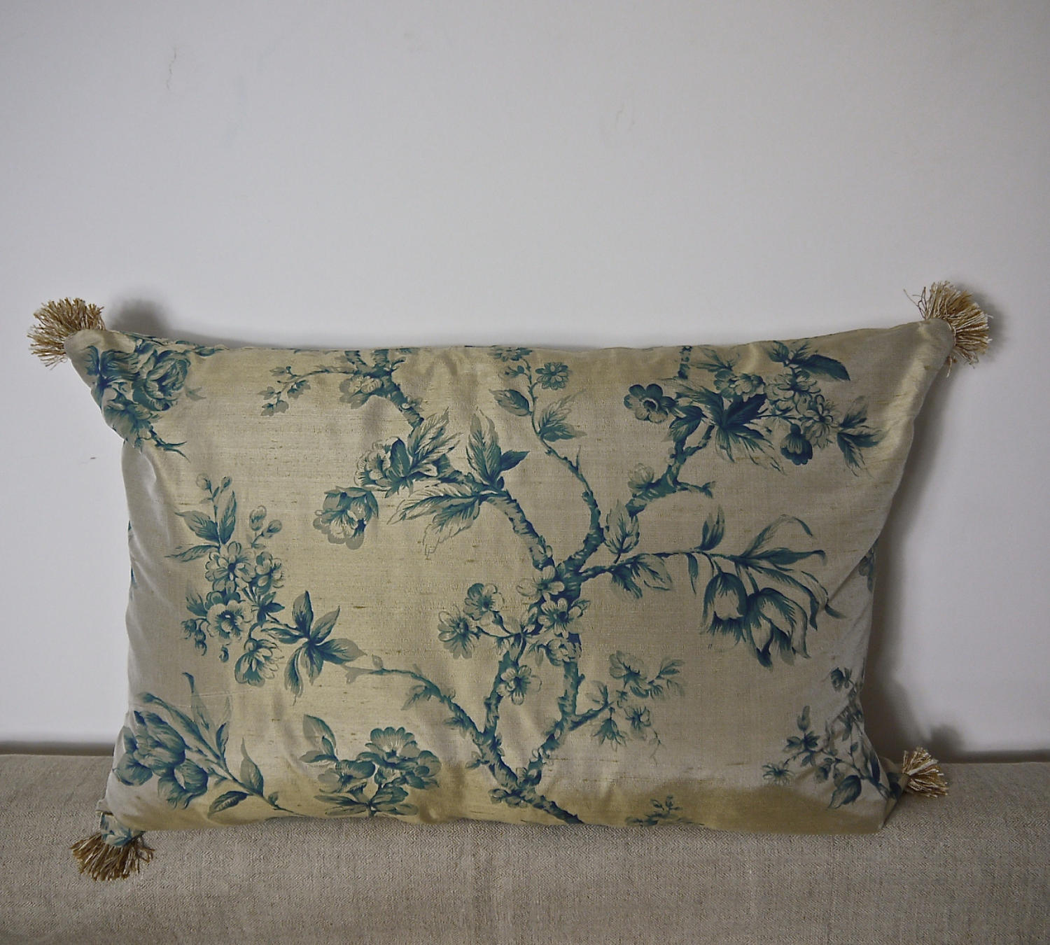 Mid-20th century blue floral on bronze silk cushion
