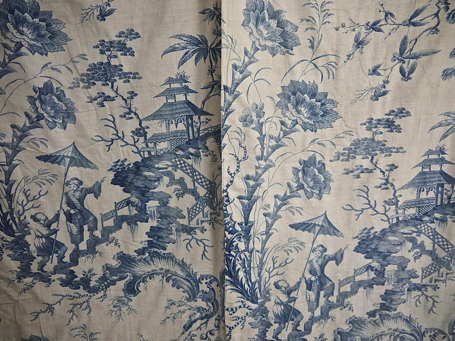 Pair of 18th century French Chinoiserie toile bed hangings