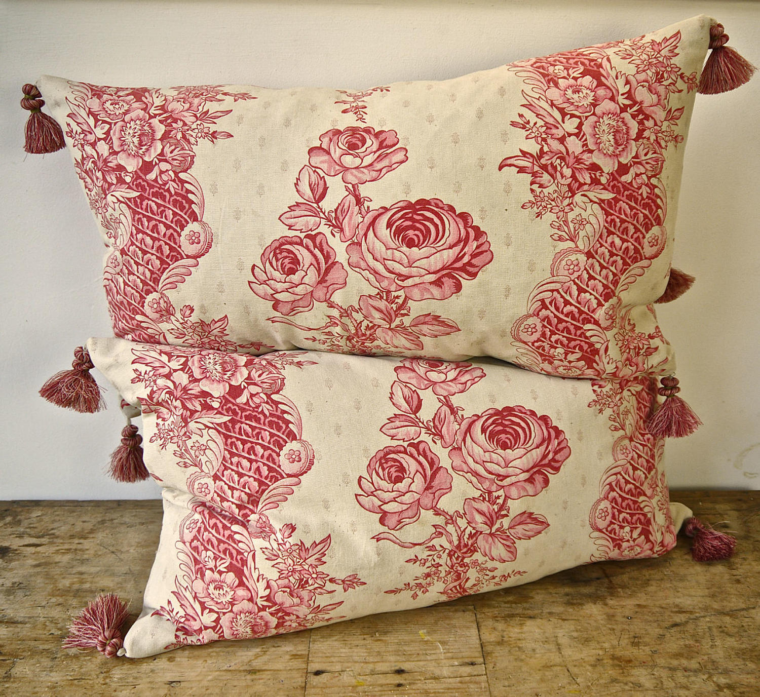Pair of Roses and Columns cushions French 19th century